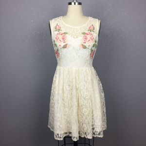 •Forever 21• Cream Lace Dress